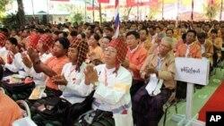 Đại biểu đang NLD dự Đại hội đảng tổ chức ở Rangoon, 8/3/13