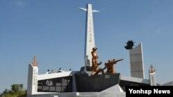 한국 해군이 최초의 '대북 응징보복작전'인 '몽금포 작전'을 기리는 전승비 제막식을 오는 15일 인천 월미공원에서 연다고 밝혔다. 몽금포 작전은 광복 직후 북한군이 아군 함정과 미국 군사고문단장 전용 보트를 납북하는 등 불법 도발을 일삼자 우리 해군이 1949년 8월 27일 보복응징을 위해 감행한 군사작전이다.