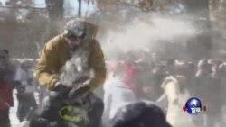 美国东部地区遭遇创纪录降雪严寒