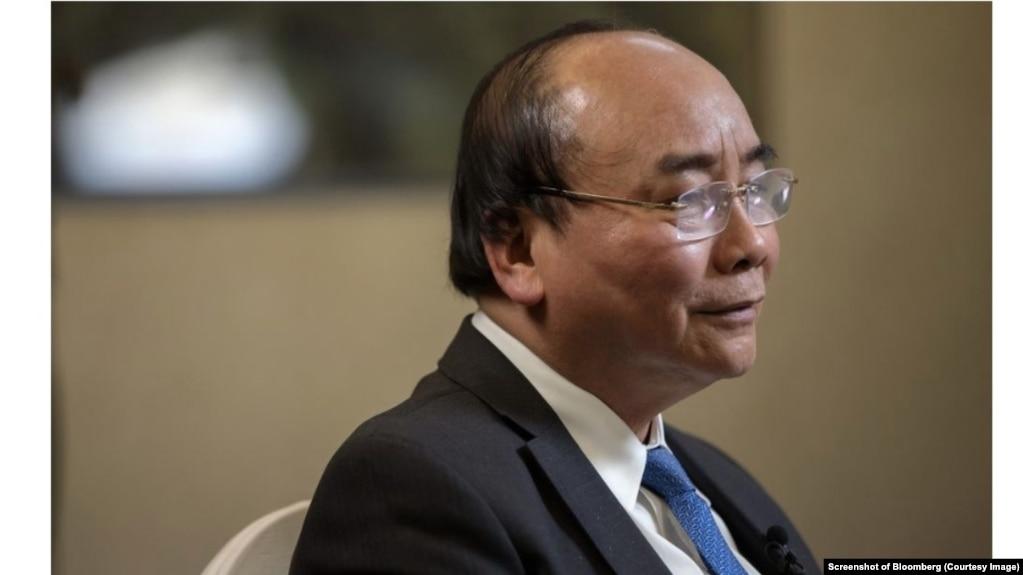 Thủ tướng Nguyễn Xuân Phúc. (Screenshot of Bloomberg)