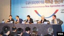 13일 미국 워싱턴에서 한국 민주평화통일자문위원회 주최로 한반도 평화 통일에 대한 포럼이 열렸다.