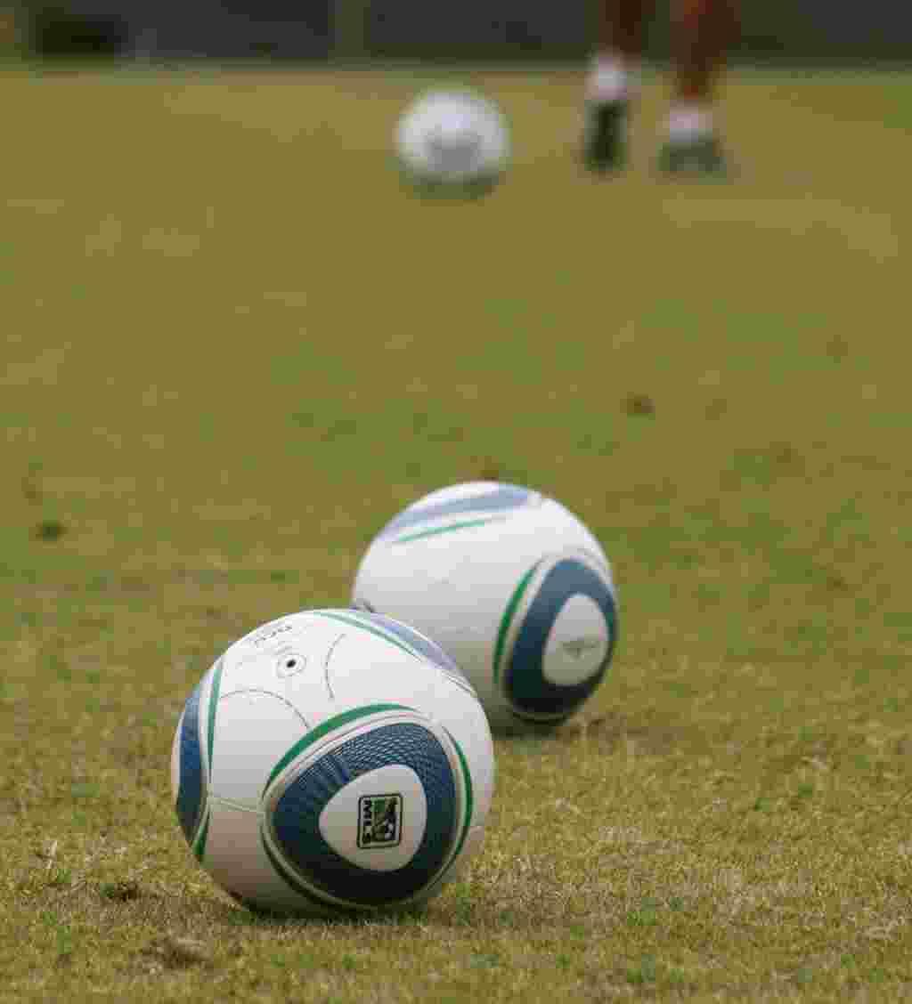 La Major League Soccer (Liga Mayor de Fútbol) (MLS) es la primera división de fútbol en Estados Unidos y Canadá. El torneo es organizado por la Federación del fútbol de Estados Unidos, que es miembro de FIFA.