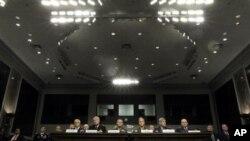 Zapovjednici raznih rodova vojske u Senatu govore o aktualnoj politici prema homoseksualcima u oružanim snagama