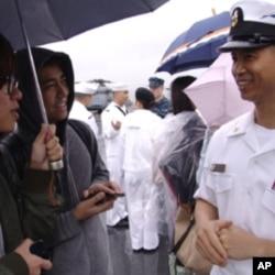 華裔軍士長葉海棠接受採訪