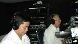"""Ou Ratanak is a project manager for the World Wildlife Fund (left) and Lip Cheang is the president of the Rattan Association of Cambodia were the guests on """"Hello VOA"""" on Monday October 04, 2010."""
