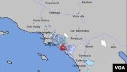 El Servicio Geológico de Esyados Unidos, ubicó el epicentro del temblor a unos 60 kilómetros de Los Ángeles, California.