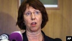 La jefa de la diplomacia europea, Catherine Ashton, recibió el mandato de iniciar un proceso de negociación con Cuba.