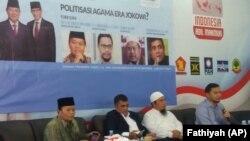 Diskusi bertajuk Politisasi Agama di Era Jokowi yang digelar di salah satu markas tim Badan Pemenangan Prabowo-Sandiaga di Jakarta, Selasa, 19 Februar 2019. (Foto: VOA/Fathiyah)