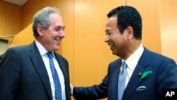 日本经济财政大臣甘利明会见美国贸易代表弗罗曼(2015年4月19日)