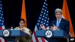 លោករដ្ឋមន្រ្តីក្រសួងការបរទេស John Kerry និយាយទៅកាន់អ្នកកាសែតនៅក្នុងរដ្ឋធានីវ៉ាស៊ីនតោន កាលពីថ្ងៃទី២២ ខែកញ្ញា ឆ្នាំ២០១៥។