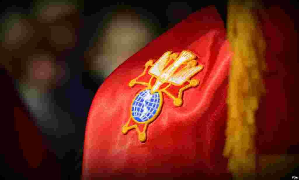 Знак ордена «Рыцарей Колумба» на мантии