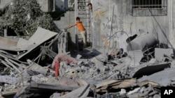 Ruševine u gradu Gazi posle noćešnjih vazdušnih napada izraelske vojske