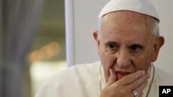 """""""El Papa ha sido informado y está profundamente dolido por la trágica noticia"""", informó el Vaticano."""