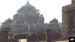 شیر شاہ سوری کا مقبرہ، بے کسی کا مزار
