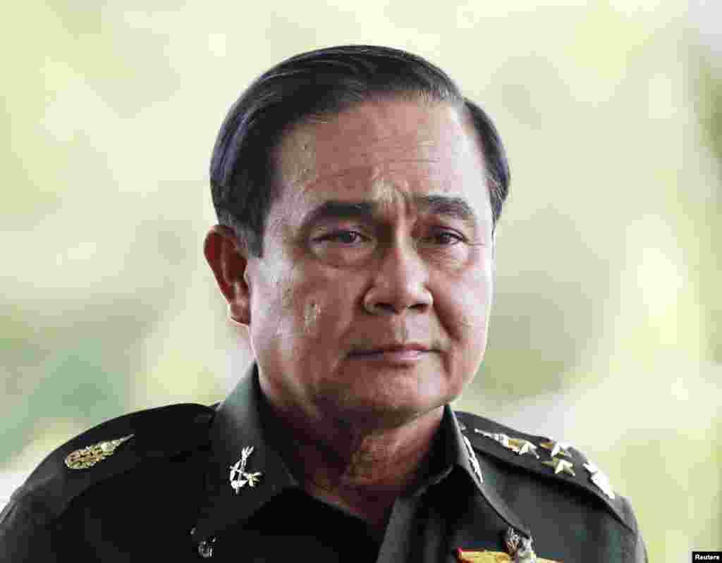 فوج کے سربراہ پرایوتھ چان اوچا نے مارشل لاء نافذ کرنے کے بعد کہا کہ اس کا مقصد اقتدار حاصل کرنا نہیں۔