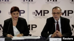 FILE - Commissioner of the International Commission Against Impunity in Guatemala (CICIG) Ivan Velasquez (R) and Guatemala's Attorney General Thelma Aldana, hold a news conference in Guatemala City, Guatemala, Aug. 24, 2017.