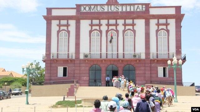 Mulheres queixam-se ao tribunal do Namibe
