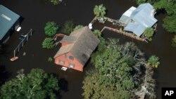 Наводнение, выванное ураганом «Мэтью», в городе Николс в Южной Каролине. 10 октября 2016 г.