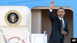 Presiden Barack Obama berangkat untuk melakukan lawatan ke tiga negara Asia (17/11).