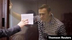 Aleksej Navalni pred sudom u Moskvi