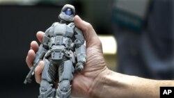 Фигурка, созданная 3D принтером, путем полимеризации пластика с помощью лазера