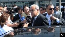 PM Mesir Sherif Ismail di Bandara Internasional Kairo (Foto: dok).