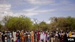 Situasi di perbatasan Sudan utara-selatan makin memburuk mengakibatkan puluhan ribu warga mengungsi.