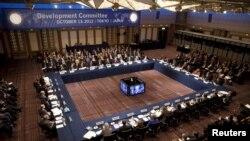 IMF နဲ႔ ကမာၻ႔ဘဏ္တို႔ရဲ႕ ႏွစ္ပတ္လည္ ပူးတြဲအစည္းအေ၀းကို ဂ်ပန္ႏုိင္ငံ၊ တိုက်ဳိၿမိဳ႕မွာ က်င္းပခဲ့ပါတယ္။ ေအာက္တိုဘာလ ၁၃၊ ၂၀၁၂