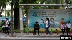 Cơ quan Đối ngoại châu Âu cho rằng người dùng mạng xã hội tại Việt Nam đang ngày càng phải đối mặt với việc kiểm duyệt tùy tiện của chính quyền khi chia sẻ quan điểm trực tuyến.