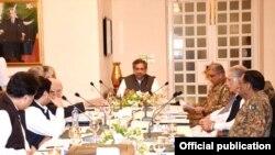 وزیر اعظم شاہد خاقان عباسی کی زیر صدارت فاٹا اصلاحات سے متعلق اجلاس۔
