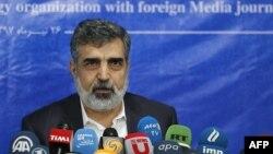 Phát ngôn viên Cơ quan Nguyên tử năng Iran Behrouz Kamalvandi trả lời báo chí tại thủ đô Tehran ngày 17/7/2018.