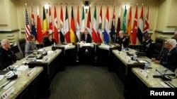 14일 바락 오바마 미국 대통령과 20개국 국방장관들이 미국 워싱턴에서 ISIL 대처방안에 대해 논의하고 있다.