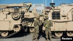 지난 2017년 8월 폴란드 단스크에 나토 임무를 수행하기 위한 미군 장비가 도착했다.