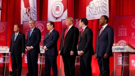 2016年2月13日共和党总统候选人在南卡罗莱纳州共和党总统参选人辩论会上。
