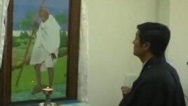 Nguyên tắc của ông Gandhi lấy từ niềm tin của Ấn độ giáo là Chân ý và bất bạo động