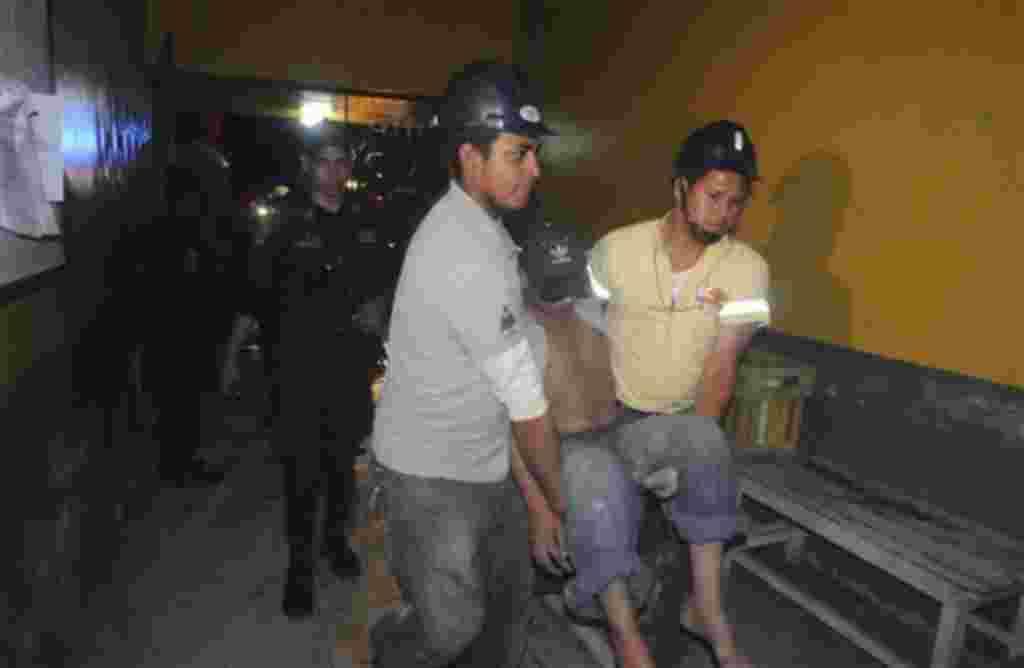 Las autoridades han informado que algunos de los prisioneros podrían haber escapado y que aún se desconocen las causas del siniestro.