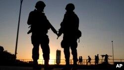 Forças Armadas vão às ruas