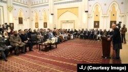 جمهور رئیس غني او اجرائیه رئیس عبدالله د تیرې ورځې راهیسې د ملي شورا له غړو سره د خبر لړۍ پیل کړې ده.