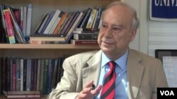 Amb. Akbar Ahmed talks to VOA's Deewa Service in Washington, D.C,, Sept. 23, 2015.