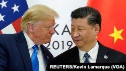 Američki predsednik Donald Tramp prilikom susreta sa kineskim predsednikom Ši Đinpingom na samitu G20 u Osaki, u Japanu, 29. juna, 2019. Foto:Rojters/Kevin Lamark