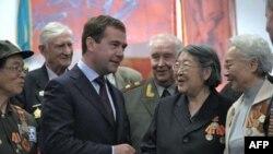 Dmitrij Medvedev u susretu sa ratnim veteranima, 26. septembar 2010.