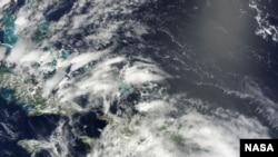 Како изгледа одозгора: Исак на сателитска снимка на НАСА