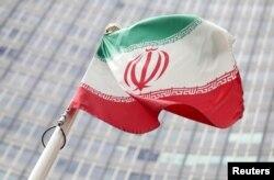 오스트리아 빈에 위치한 국제원자력기구(IAEA)의 본사 앞에서 펄럭이는 이란 국기.