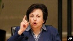 شیرین عبادی، برندۀ جایزۀ صلح نوبل، حمایت اش را از معترضان ایران اعلام کرد