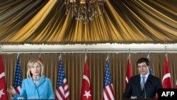 'Clinton'ın Ziyareti Türkiye'nin Liderlik Rolünün Tanınmasıydı'