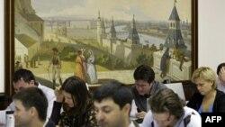 Нужны ли в российских вузах партячейки?
