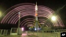 Soyuz-FG raketasi va Soyuz TMA-20M kapsulasi, Boyqo'ng'ir, Qozog'iston