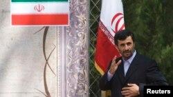 Prezident Mahmud Ahmadinajod