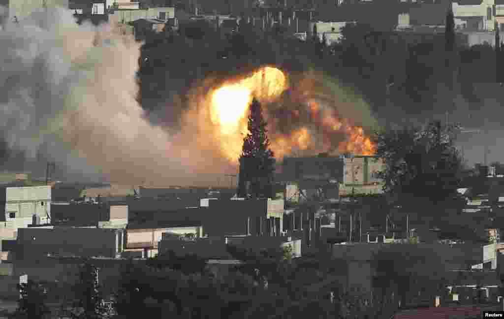 امریکہ اور اس کے اتحادی شام میں دولت اسلامیہ کے ٹھکانوں کو فضائیہ کی مدد سے نشانہ بنایا۔