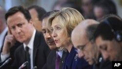 美國國務卿希拉里‧克林頓於倫敦出席有關利比亞問題國際會議